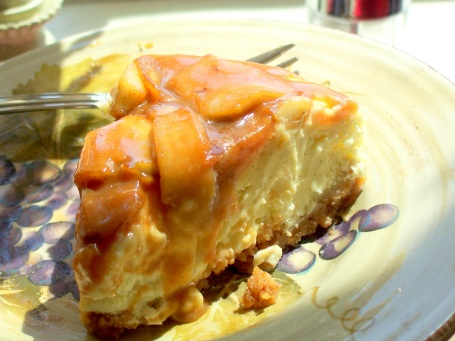 Vanilla Caramel Apple Cheesecake